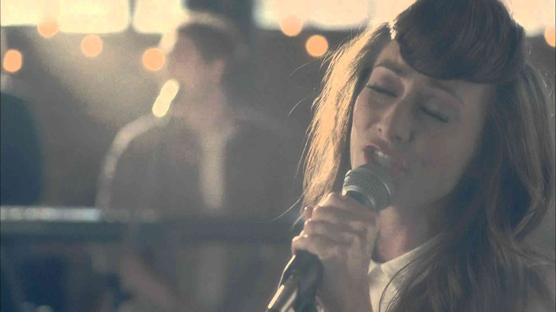 Karmin - Brokenhearted - YouTube