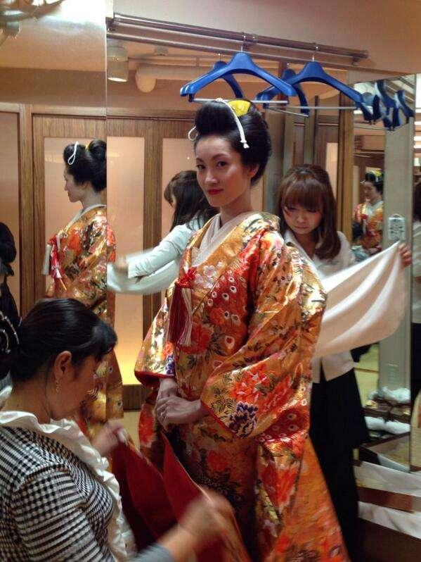 【画像アリ】荒川静香、ツイッターで花嫁姿公開!