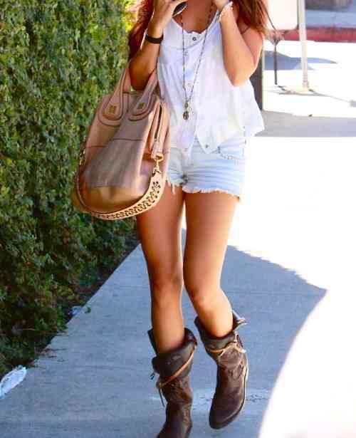 おしゃれかもしれないけれど、無条件に引いてしまう女子のNGファッション1位「ゴスロリ」