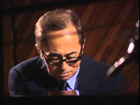 大野雄二 ソロピアノ ルパン三世のテーマ - YouTube