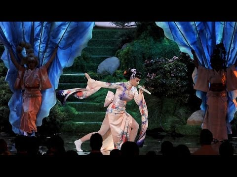 Katy Perry - Unconditionally live American Music Awards 2013  AMA - YouTube