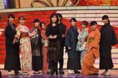 """ナタリー - AKB48、""""お祭り""""テーマの紅白本番で110人全員異なる衣装"""