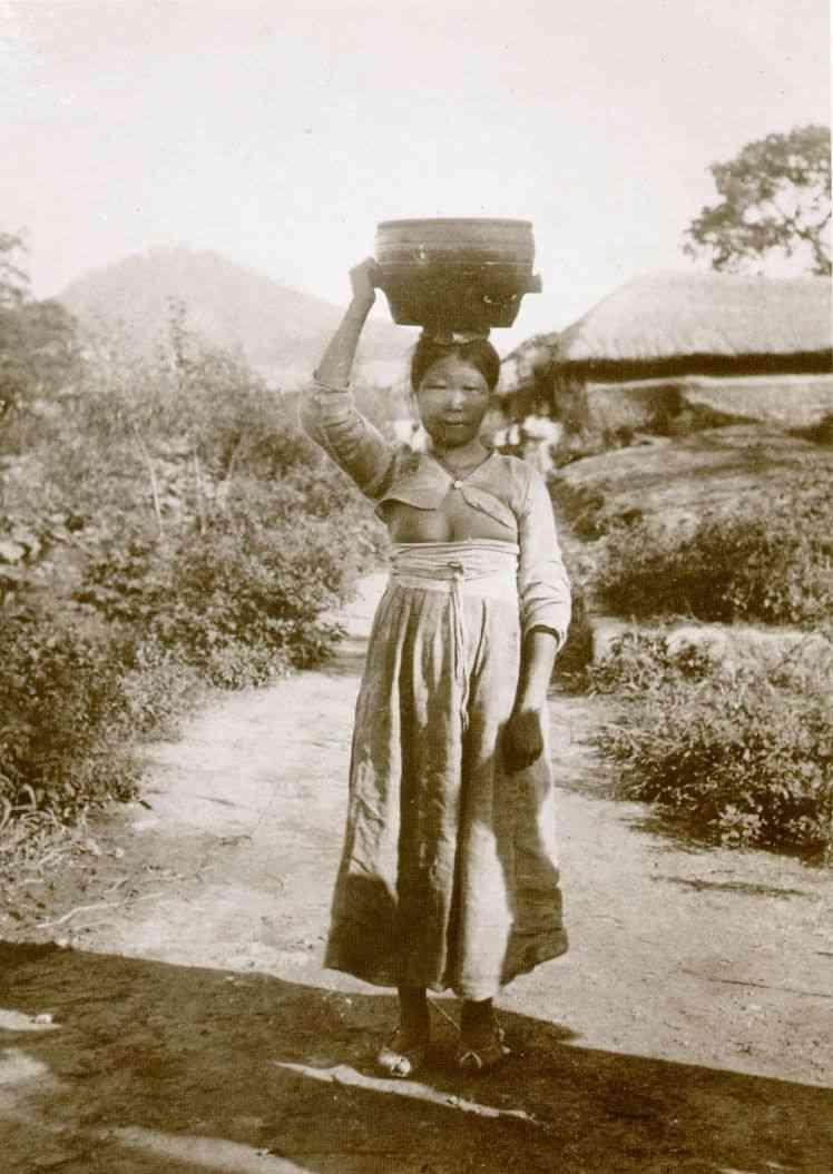 Bam-Boo@2chまとめ 韓国人「乳出しチョゴリは日本人が捏造し、写真を世界にばらまいた」