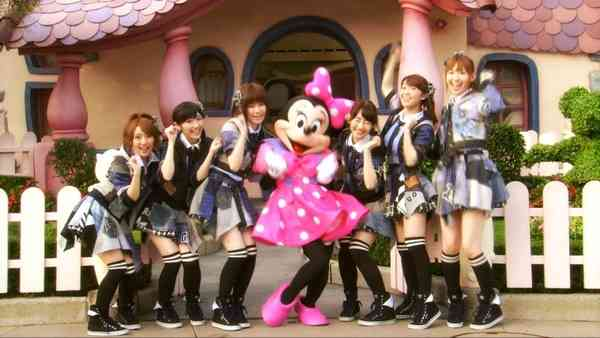 篠田麻里子、板野友美が卒業 AKB48に残る小嶋陽菜の仲間はずれ感…