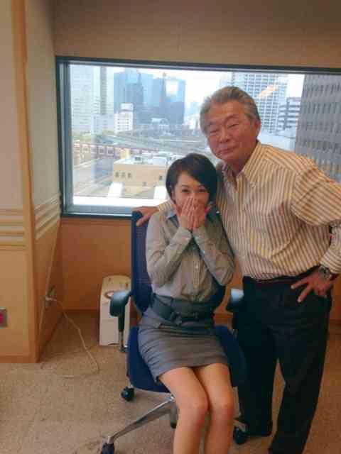 みのもんたがラジオ番組のアシスタント南波糸江アナを触りすぎていると話題