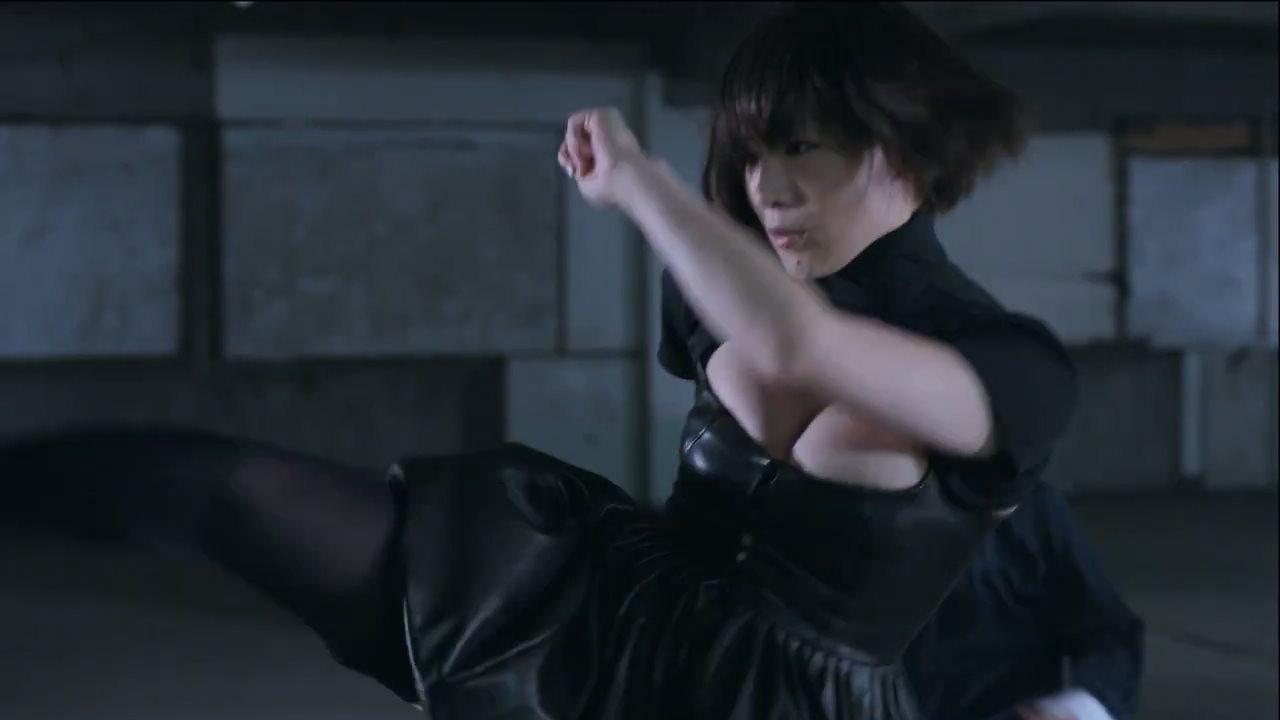 椎名林檎が新曲「熱愛発覚中」のPVで爆乳すぎると話題w