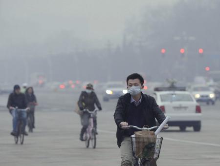 中国、大気汚染で死亡123万人、全死者の15%