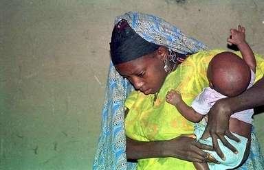 【ナイジェリア】「赤ちゃん製造工場」から妊娠した14歳~19歳の少女16人を救出