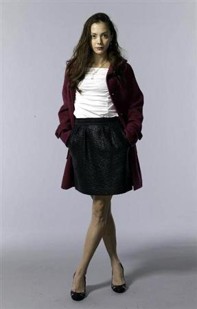 土屋アンナ、連ドラ初出演で巨乳警視役に「胸パッドを3枚入れて撮影しています」