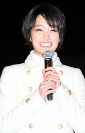 剛力彩芽、AKB48峯岸みなみのダンスものまね「うれしかった」