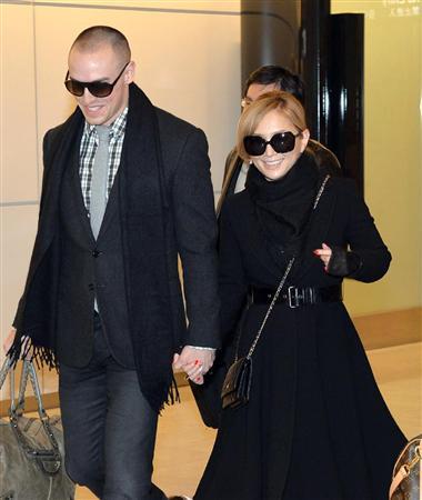 和田アキ子、電撃婚約の浜崎あゆみをチクリ「いつも年の瀬にいい話がありますねぇ?しかも空港で」