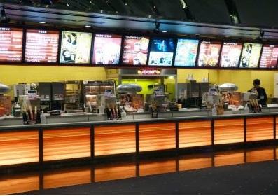 映画館で食べるものは?