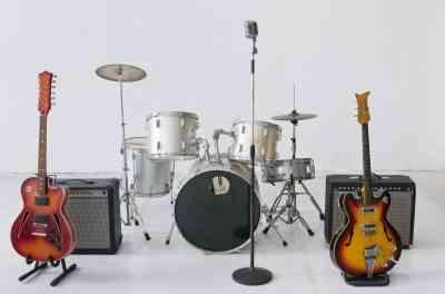 バンドでカッコイイと思う楽器調査! 女性にドラムが最も人気
