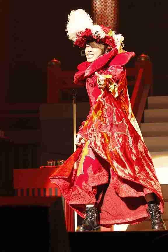 T.M.Revolution西川貴教、猿衣装復活!! 5年連続の新春武道館ライブ