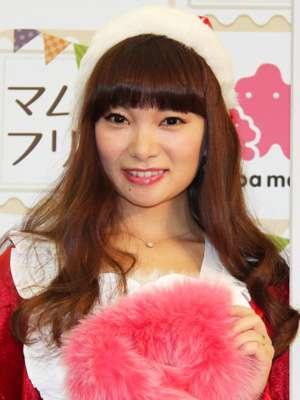 保田圭、披露宴で「ハピサマ」歌った!「夢だった」…石川梨華と披露 - シネマトゥデイ