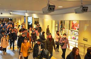 通行人の顔、カメラで撮影し追跡 大阪駅ビルで実験へ:朝日新聞デジタル