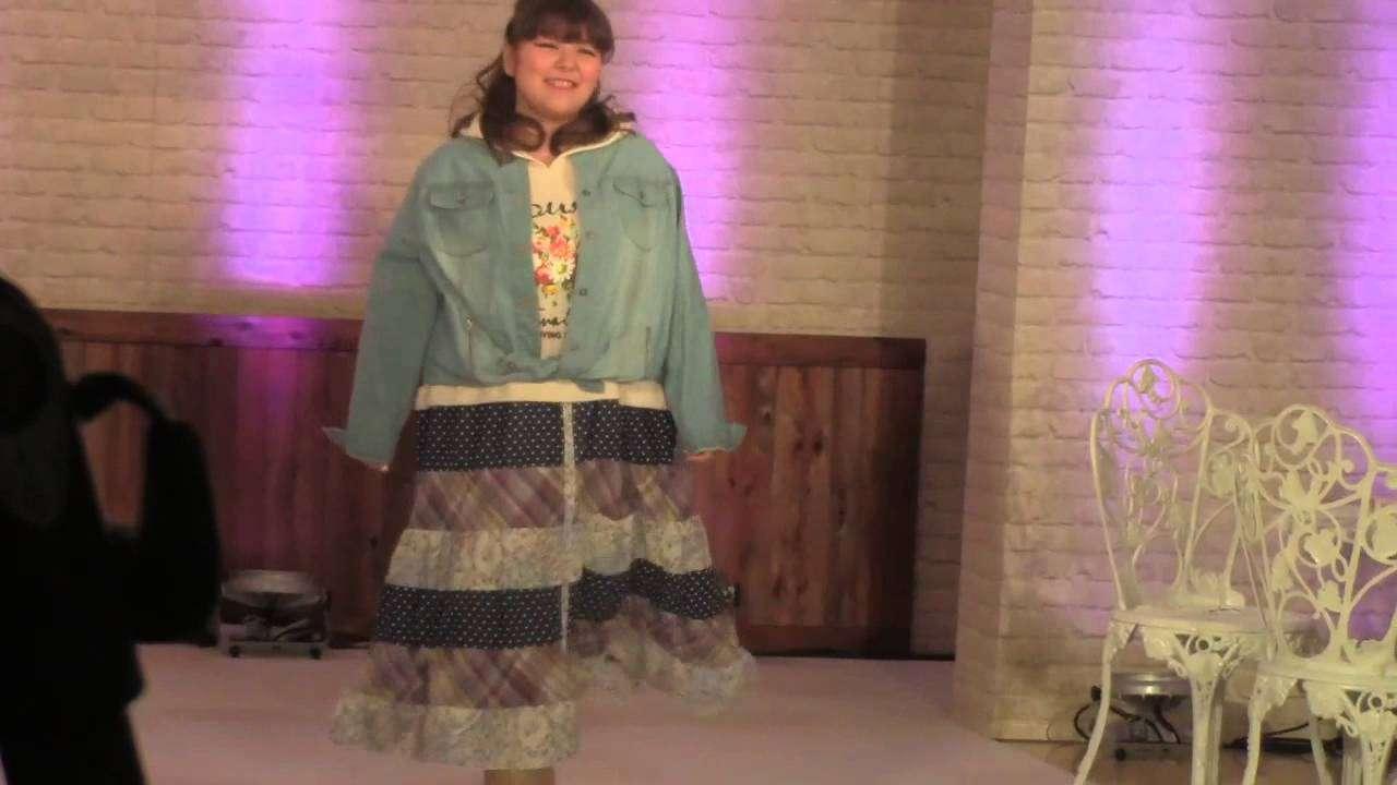 la farfa(ラ・ファーファ)×smiLeLand ファッションショー - YouTube
