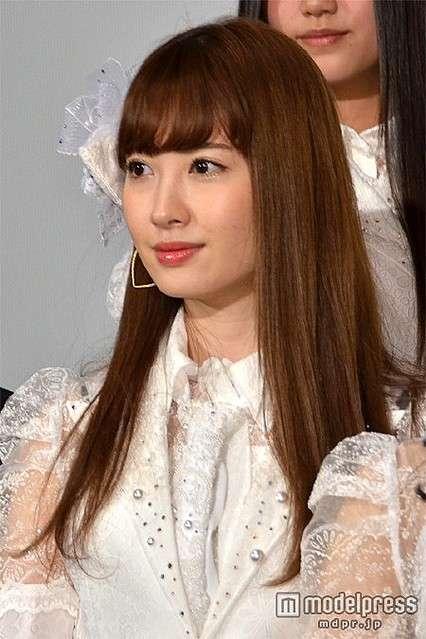 大島優子がこじはるのおっぱい触って大絶賛 - ライブドアニュース