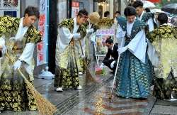 鏡原中卒業生20人 国際通りを自主清掃 | 沖縄タイムス+プラス