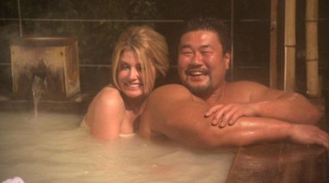 佐々木健介、カイヤと混浴&キスで妻・北斗晶は「殺す!」宣言