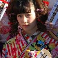 "AKB48・島崎遥香、成人式で見せた""リボン付き縦ロール""に酷評の嵐|サイゾーウーマン"