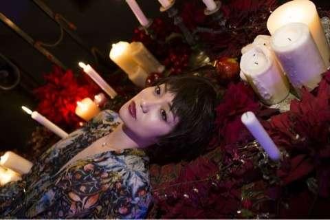 蜷川実花が撮ったAKB48大島優子の超・刺激的セクシーショットをご覧ください