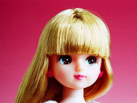 【閲覧注意】まるでお人形のよう…人形に扮する「マスキング」が話題に