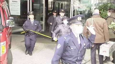 「東京・六本木のビルで男性2人刺される、男を傷害容疑で逮捕」 News i - TBSの動画ニュースサイト