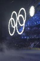 【ソチ五輪】「五輪」の輪、一輪開かず四輪に 開会式演出でハプニング(産経新聞)