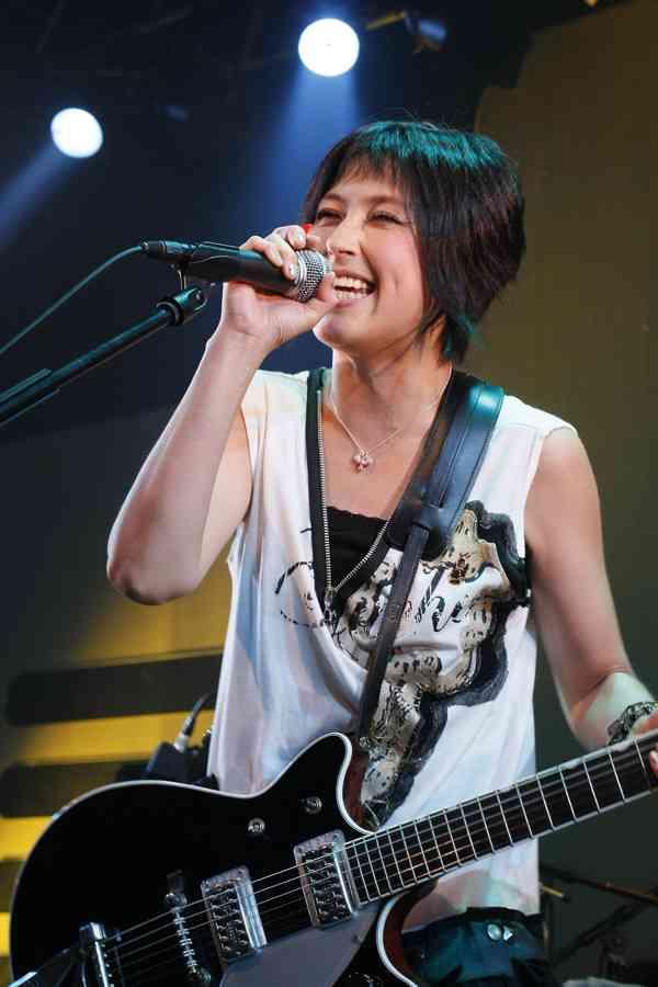 岸谷香、息子が中学合格「母の役目の7割くらい終わった気分!さぁ、音楽に帰りますよ」
