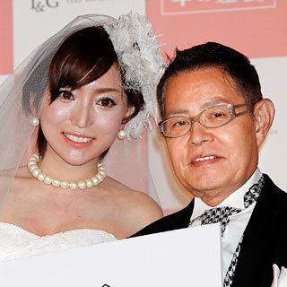 """加藤茶・嫁、綾菜さんとの関係も…デヴィ夫人が平手打ちした""""問題ホステス""""の銀座時代"""