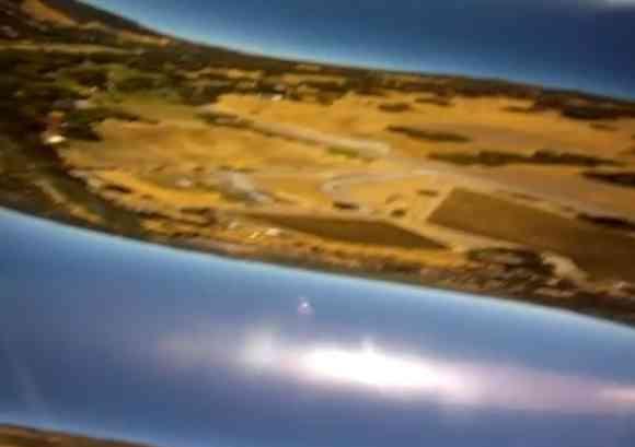 カメラが飛行機から落下→8カ月後にそのカメラを発見→驚きの映像が撮影されていた!