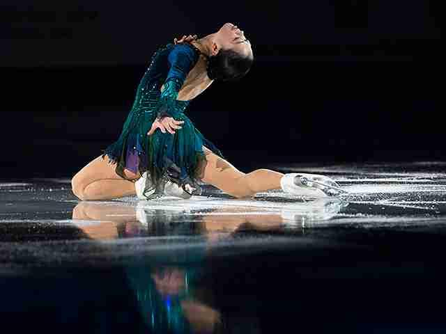 """スケートカナダで日本の3人が表彰台。安定の""""銀""""鈴木明子、混戦の男子勢。(2/4) -  Number Web : ナンバー"""