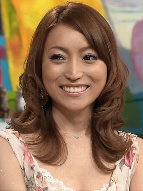 ラスベガスを満喫中の加藤茶の妻・綾菜さんの顔が怖い…