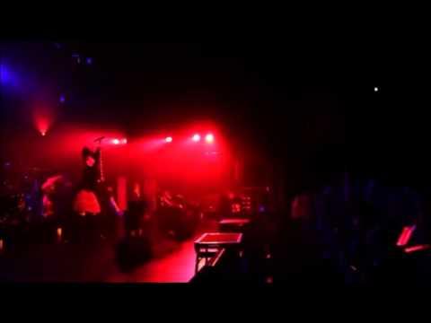 BABYMETAL ヘドバンギャー!! LIVE - YouTube