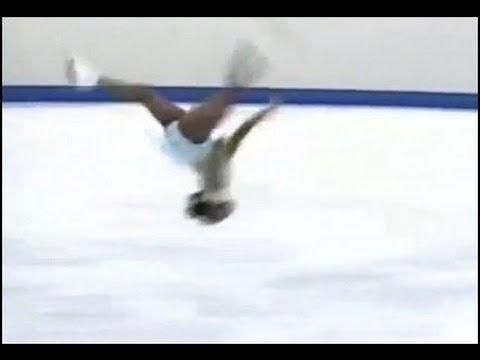 スルヤ・ボナリー 禁断のバック転 フィギュアスケート - YouTube