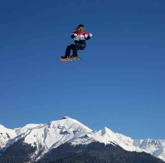 ソチ五輪、スノーボードのスタート地点で編み物をする人が話題に。「いったい何故?」 | Techinsight