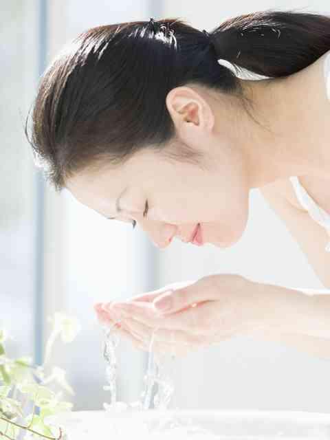 洗顔は一日に何回してますか?