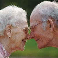 「死ぬ時も一緒」同じ日に亡くなった老夫婦たち - NAVER まとめ