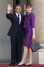 仏大統領はシークレット靴 カーラ夫人の長身考慮か - 47NEWS(よんななニュース)