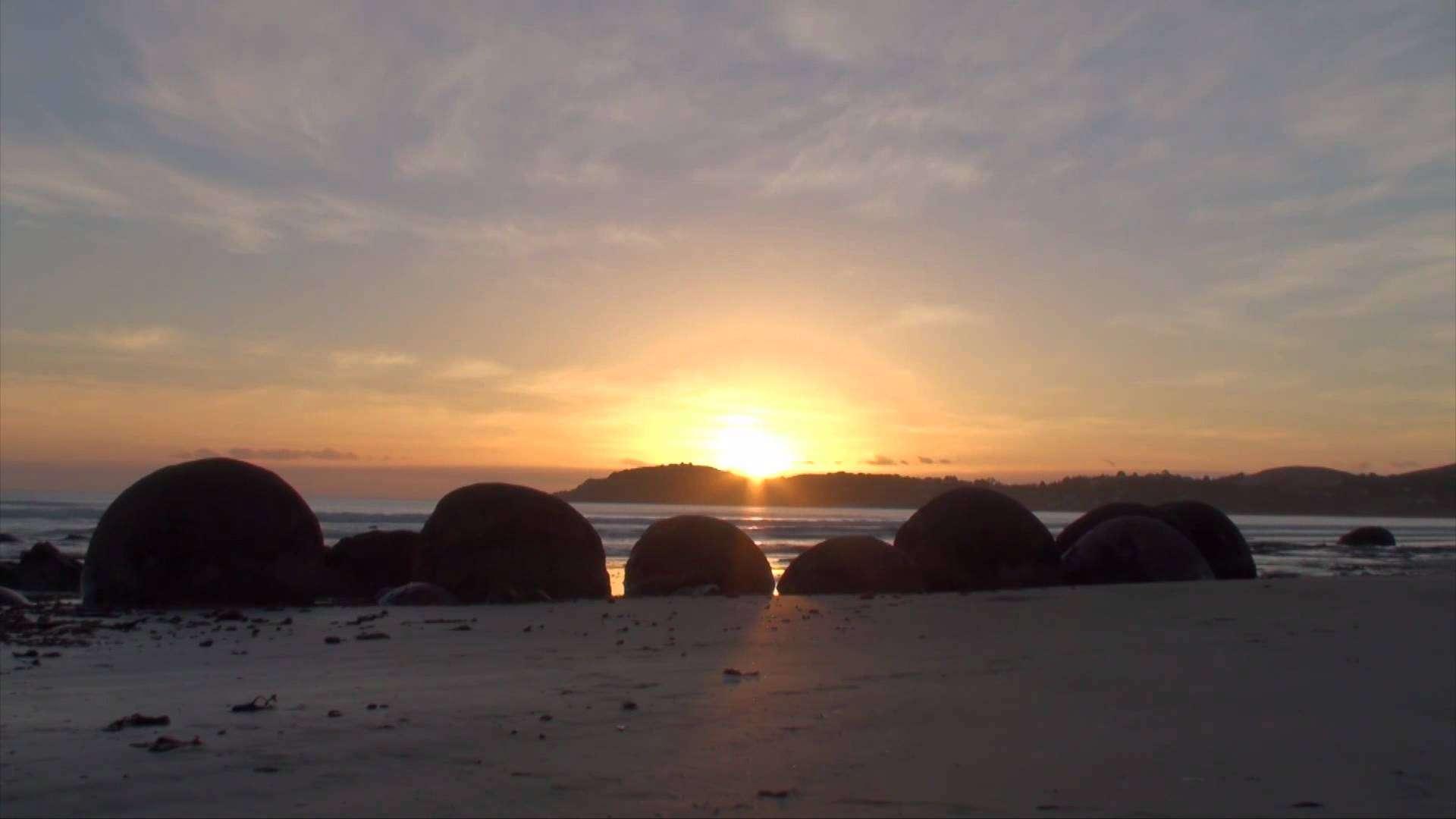 Moeraki Boulders Sunrise | Löhstana David - Cerises - YouTube