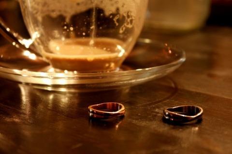 白人男性と結婚して有頂天だったけど離婚しましたwwwwwww : 稲妻速報