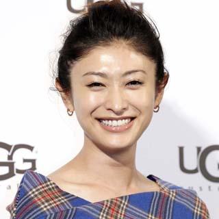日刊ゲンダイ|山田優より人気 55歳モデル「初代ミス沖縄」の美加子ママ