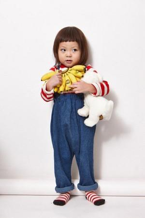 秋山成勲とSHIHOの娘・サランちゃんの人気が止まらない!初の単独広告が決定