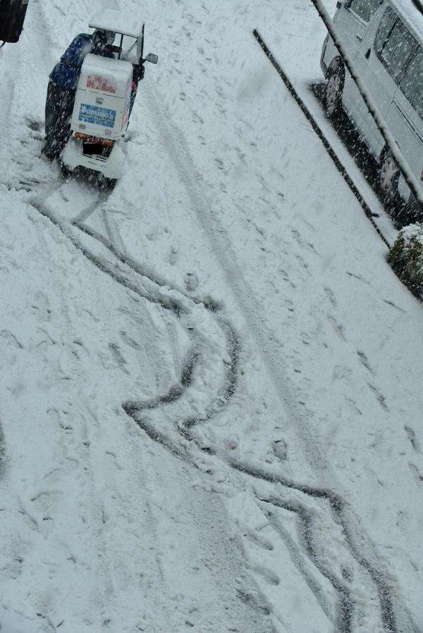 【話題】「こんな雪の日にピザ頼むなよ」 元バイトの心の叫び…。