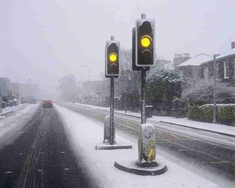 エアコン室外機は雪に弱い!雪の日における家でのトラブル対策法 | nanapi [ナナピ]