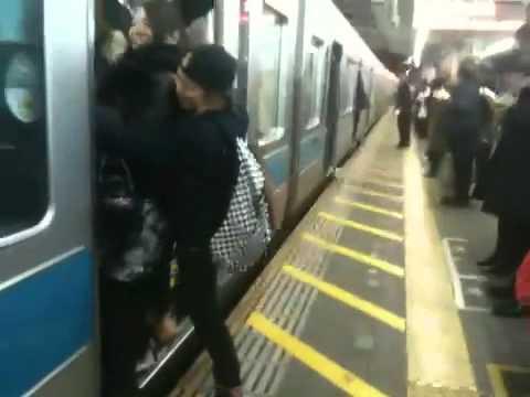 小田急線ラッシュ - YouTube