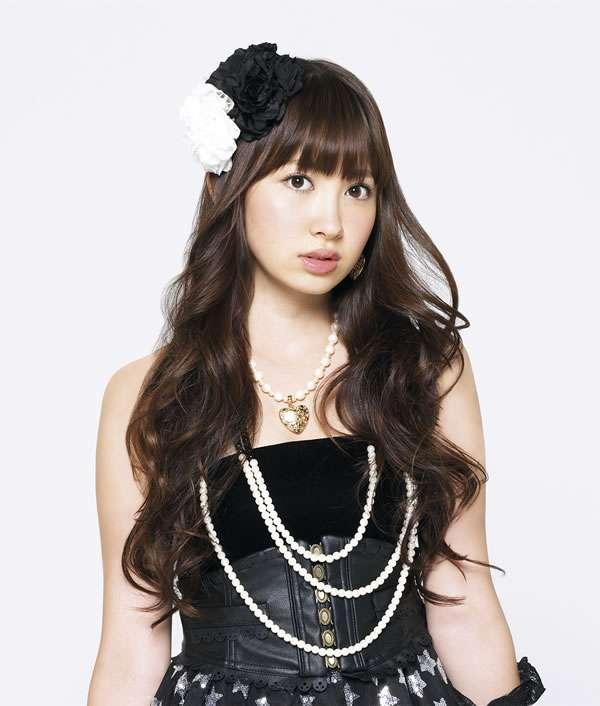 AKB48小嶋陽菜がツインテールを公開。「フランス人形みたい!」と評判。