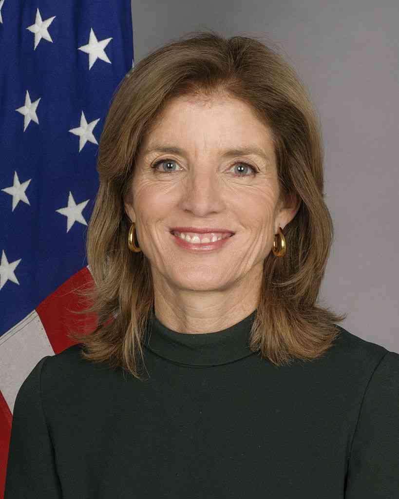 """キャロライン・ケネディ駐日米国大使が""""イルカ漁""""を批判「米国政府はイルカの追い込み漁に反対します。追い込み漁の非人道性について深く懸念しています」"""