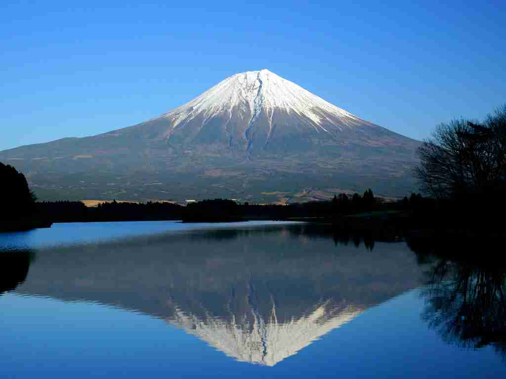 """篠田麻里子撮影の""""富士山""""が「神々しい」と評判"""